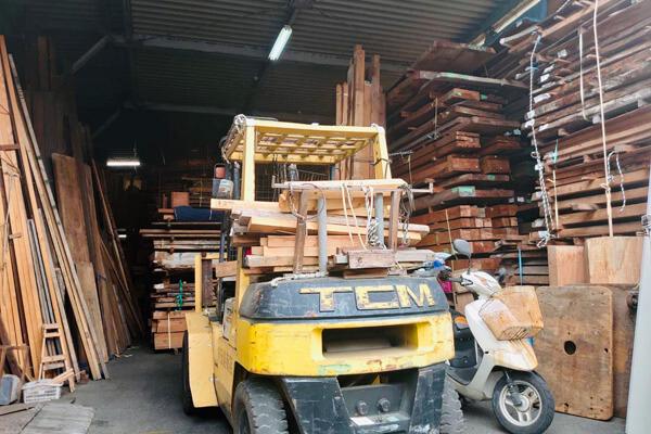 杉並の木材置き場